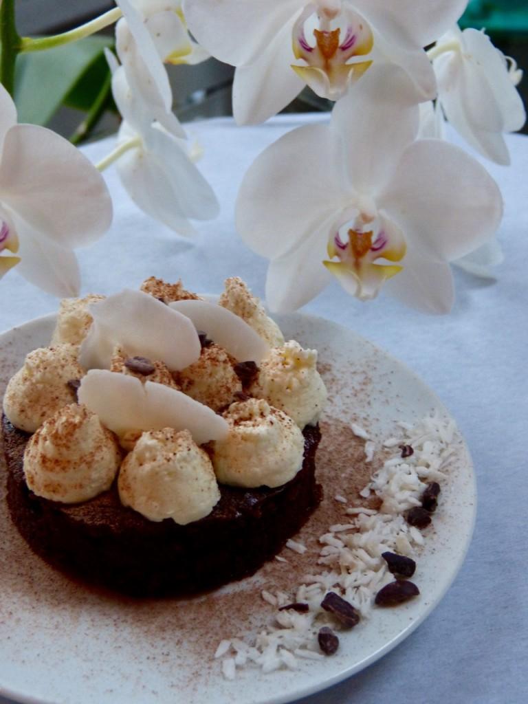 Nuage de coco sur lit chocolaté