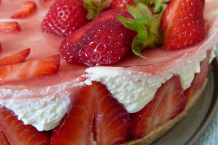 Cheesecake vanille, fraises et cardamome
