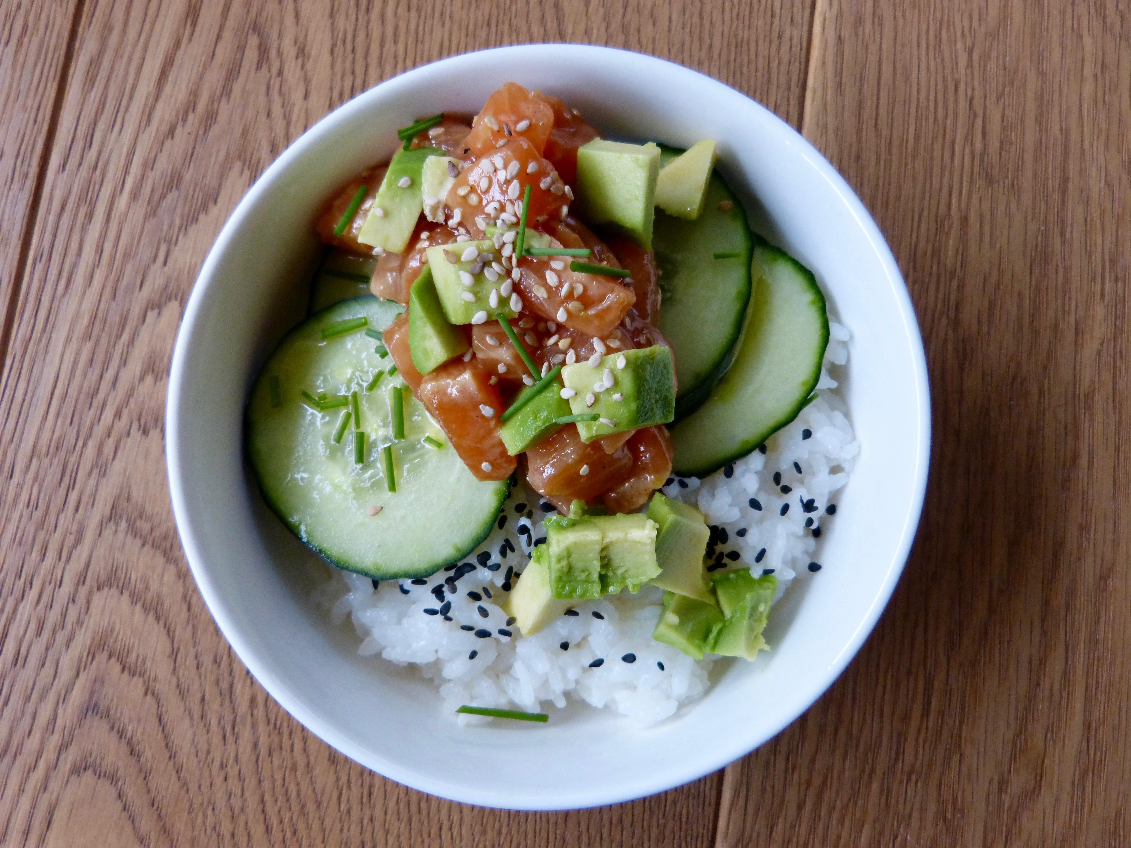 Salmon Poke Bowl - Un petit Oiseau dans la Cuisine